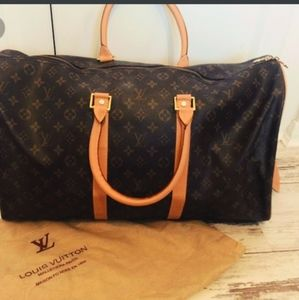 LOUIS V DUFFLE BAG